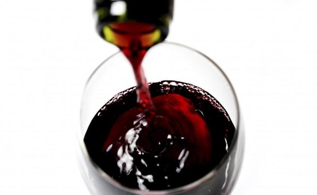 Машина превръща водата във вино за три дни
