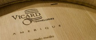 Търсенето на свежи и плодови вина засяга пазара на бъчви
