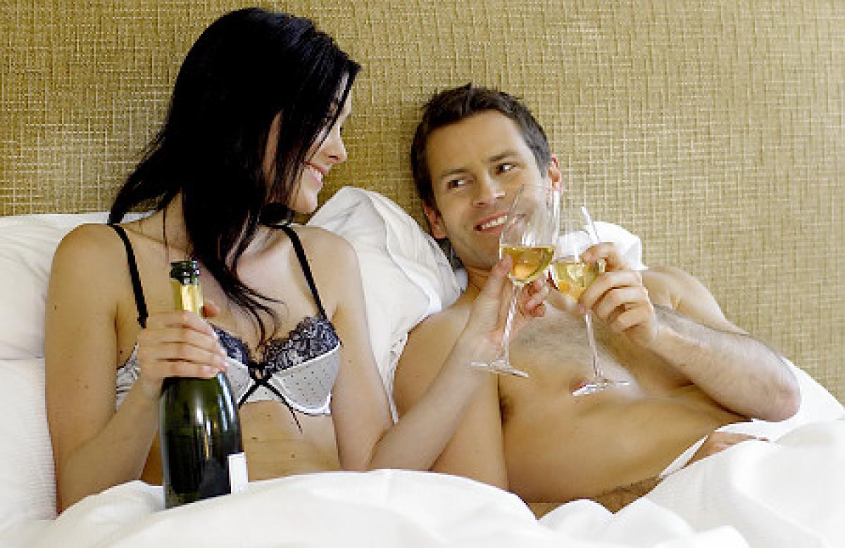 Жените които пият две чаши вино на ден имат по-добър секс отколкото тези които не пият