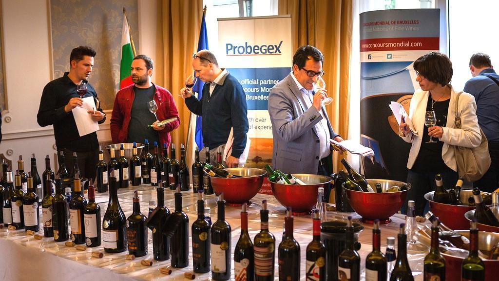 """Изпращаме мостри за """"Световното по вино"""" през 2017"""
