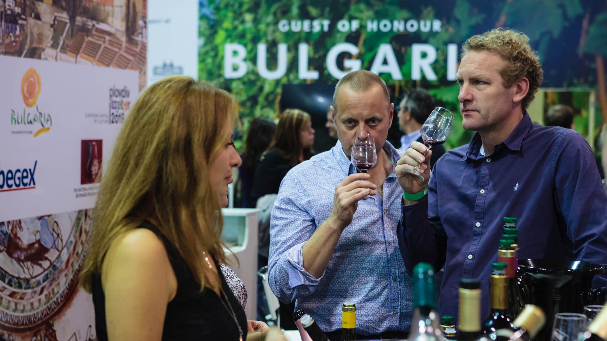 """Вино от България очарова посетителите на """"Мегавино"""" – най-голямото изложение в Белгия, Холандия и Люксембург"""