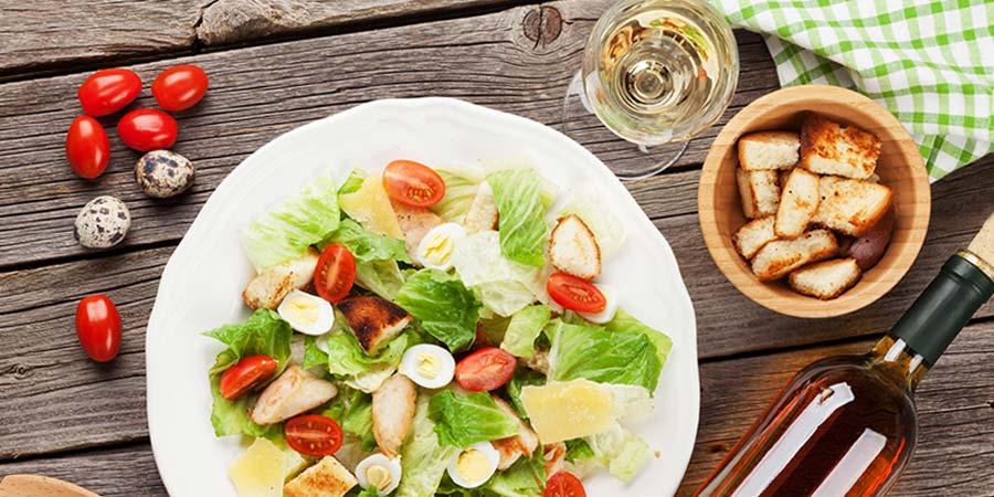 Как да комбинираме вино и салата