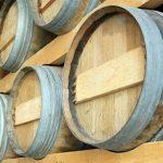 Защо виното се съхранява в бъчви?