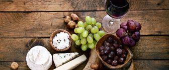 Храни, които ще направят чашата с вино по-добра