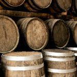 """Виното отлежало в бъчви от бърбън не е """"истинско"""" но това е О.К."""