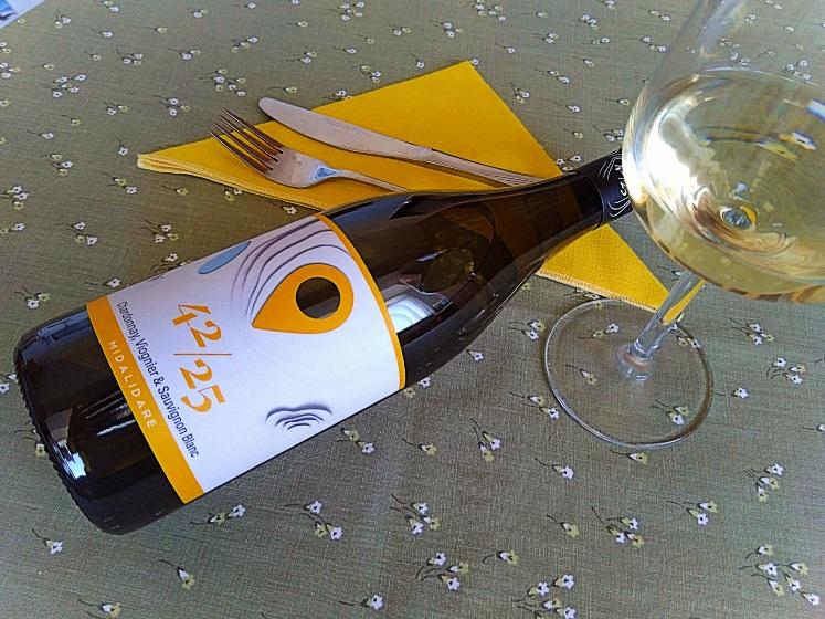42/25 Chardonnay § Viognier § Sauvignon Blanc – Midalidare Estate