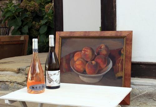 Рисувай с чаша вино 01