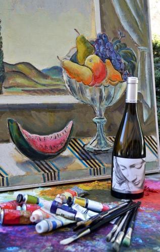 Рисувай с чаша вино 06